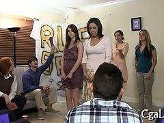 Дикая и колоритная порно вечеринка у стриптизерши