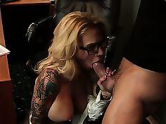Потрясный оральный секс с Alan Stafford и Sarah Jessie