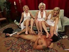 Четыре горячих сексуальных человека входят в реальное жесткое действие