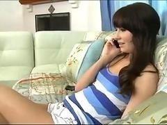 Сексуальная молодая няня любит немного анала на работе