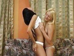 Подружки лесбиянки Настя и Дина лапают друг друга и тискают груди