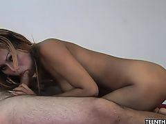 Супер великолепная азиатская проститутка, трахающаяся так непристойно